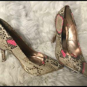 High heel snake skin look by QUPiD. Pink